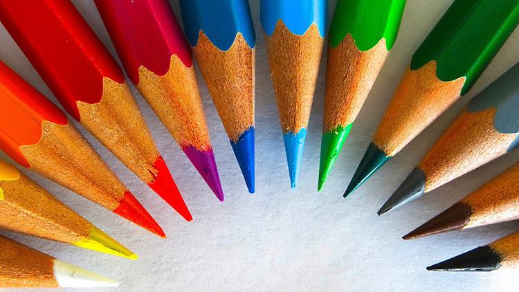 Un déficit que 'pinta muy bien': ¿A qué se debe la súbita escasez de lápices de colores?