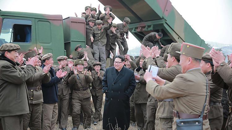 """Piongyang prueba misiles que """"aterrarán los corazones de sus enemigos"""""""