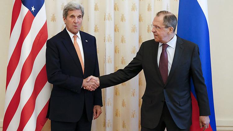 """""""Con la visita de Kerry es obvio que EE.UU. quiere llegar a acuerdos con Moscú"""""""