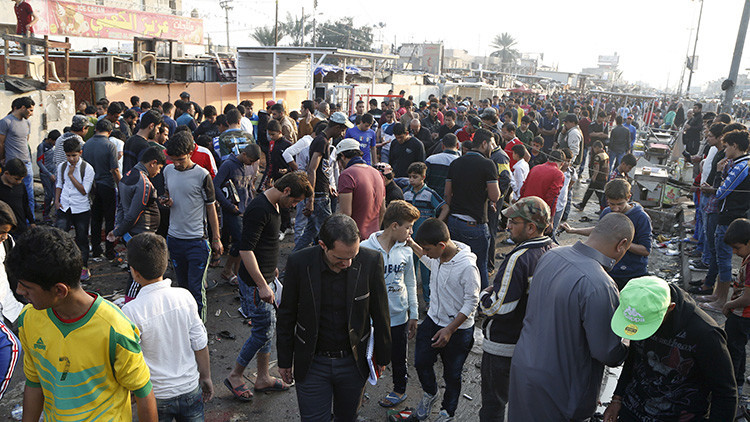Video: Captan el momento exacto del atentado que mató a 29 personas en un estadio de fútbol en Irak