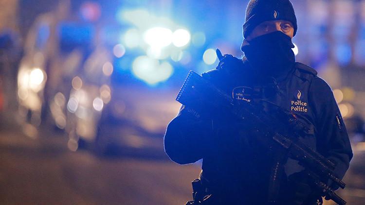 Video: La Policía belga dispara en la pierna a un sospechoso vinculado con los atentados en Bruselas
