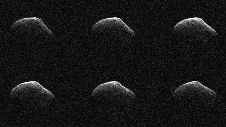 """""""Un ladrillo y una pera"""": La NASA muestra el cometa que 'rozó' la Tierra"""