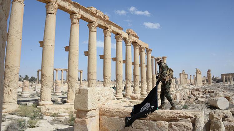 """""""Con la toma de Palmira, el Estado Islámico pierde el control del gran desierto sirio"""""""