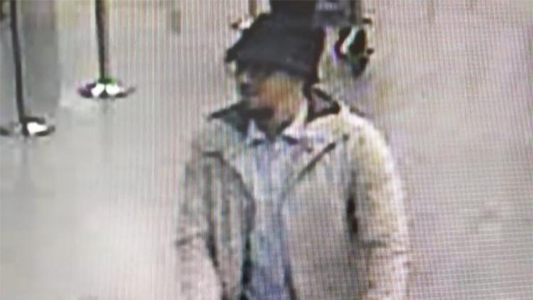Publican el primer video que muestra al tercer terrorista de los atentados de Bruselas