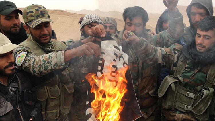 """""""Para sobrevivir, el EI necesita el apoyo de sus aliados: Turquía, Catar, Arabia Saudita y EE.UU."""""""