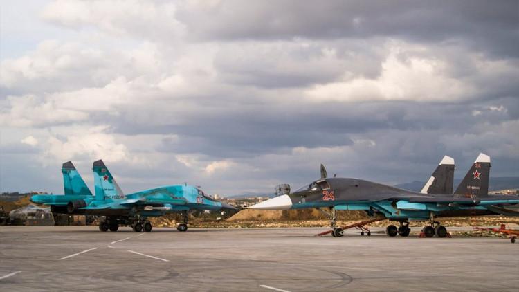 """""""Dos pájaros de un tiro"""": campaña de Rusia contra el EI en Siria dispara la demanda de armas rusas"""