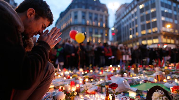 La portada de 'Charlie Hebdo' sobre los atentados de Bruselas causa revuelo en las redes