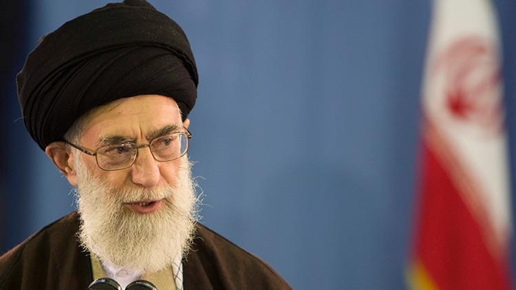 """Líder súpremo de Irán: """"Son tiempos tanto de misiles como de negociaciones"""""""