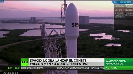 SpaceX lanza un cohete Falcon y pone en órbita un satélite