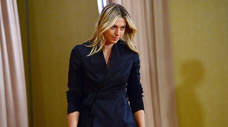 María Sharápova, a su llegada el 7 de marzo en Los Ángeles a la conferencia de prensa en que admitirá haberse dopado durante una competición.