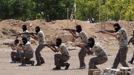 Entrenamiento de un grupo de rebeldes sirios