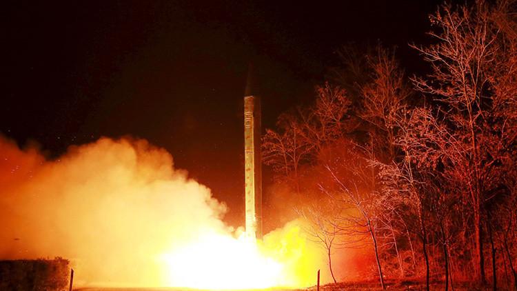 Corea del Norte lanza un misil hacia el mar de Japón