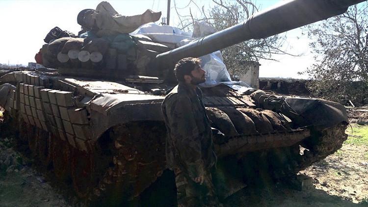 Una nueva victoria del Ejército sirio deja a los terroristas del EI atrapados en Deir ez-Zor