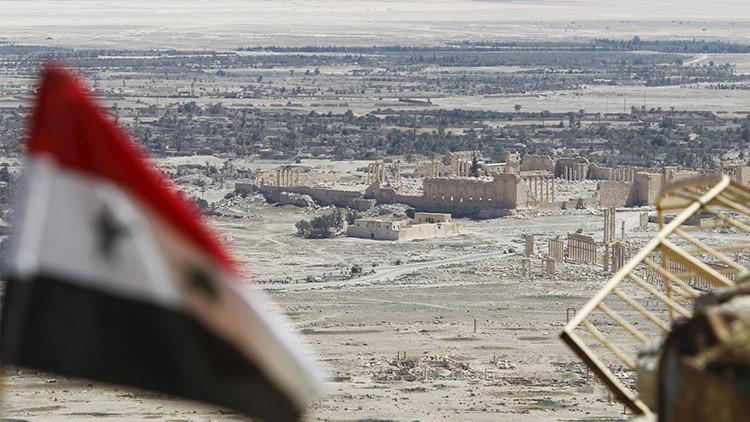 Hallan decenas de cadáveres en una fosa común en Palmira