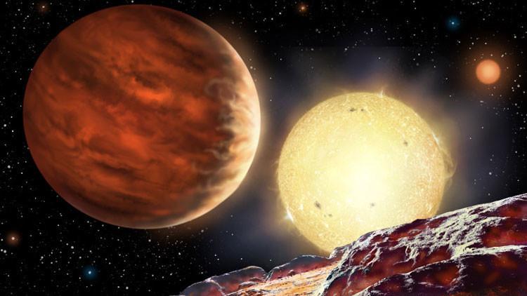 Descubren un nuevo planeta con un sistema solar triple