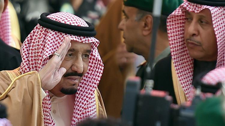 """¿Primavera árabe saudita?: Cómo la realeza """"se tambalea al borde del colapso"""""""