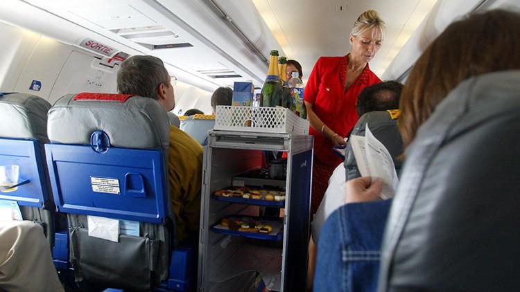 Las azafatas de Air France protestan por la nueva normativa de vestuario enlos vuelos a Teherán