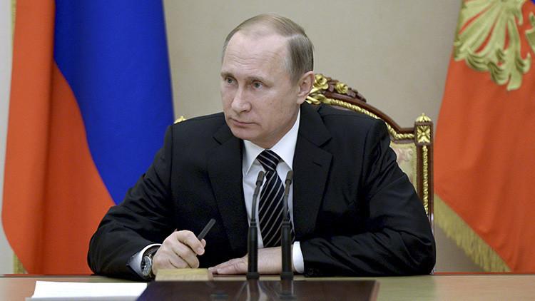"""""""La 'putinofobia' en Occidente alcanza tal nivel que a priori no se puede hablar bien sobre Rusia"""""""