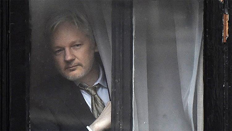 Abogados sobre Assange: Necesita atención médica urgente