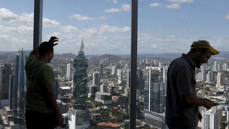 ¿Rockefeller y la CIA?: Sepa quién está tras los filtradores de los polémicos 'papeles de Panamá'