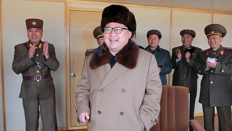 """Corea del Norte prueba un nuevo motor de misil que """"garantiza un ataque nuclear contra EE.UU."""""""