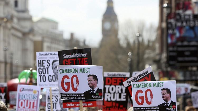 Video: Miles de británicos exigen la renuncia de Cameron por los 'papeles de Panamá'