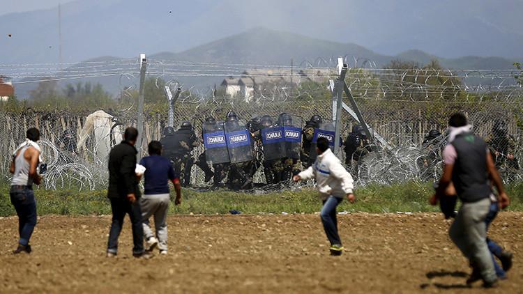 Grecia: Al menos 260 refugiados heridos en enfrentamientos con la Policía (Video, fotos)