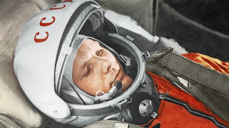 Video: Aparece un gigantesco retrato de Gagarin en un lago congelado en Rusia