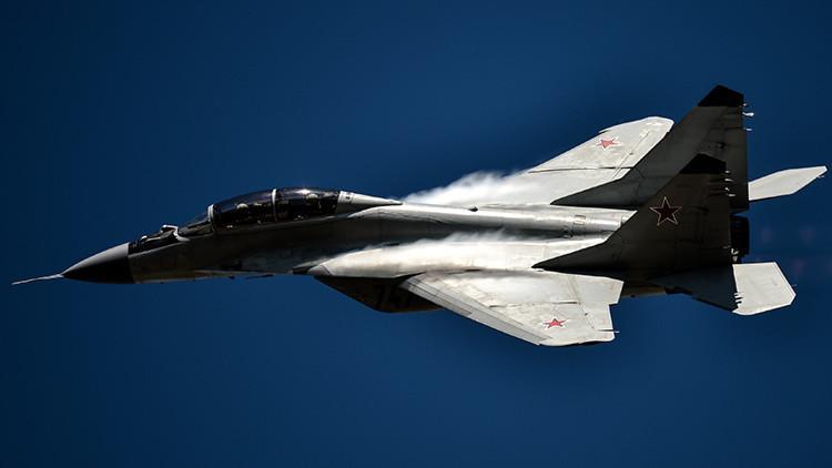 Caza multifuncional ruso MiG-29 en el salón aeronáutico MAKS-2015
