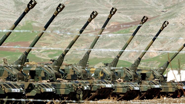 Artillería turca alcanza posiciones del EI en respuesta a su ataque desde Siria