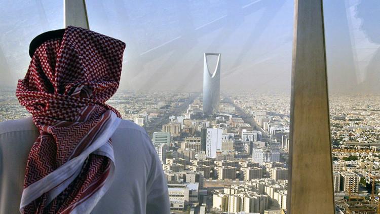 Cómo el petróleo 'ahoga' la seguridad financiera de Arabia Saudita