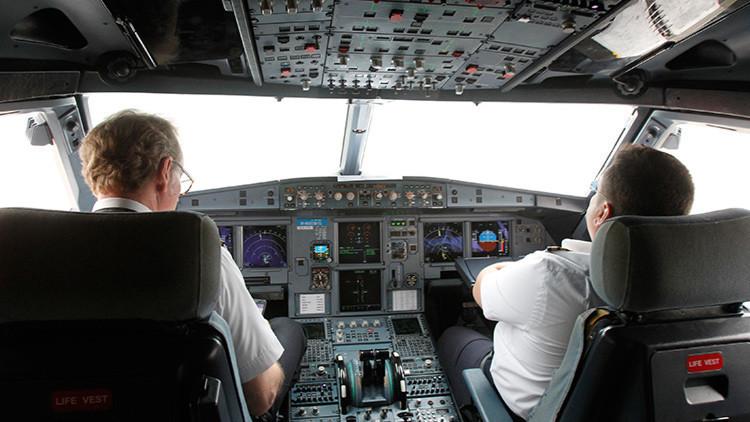 """""""Tres vuelos nocturnos consecutivos"""": los pilotos de Emirates,  al borde del agotamiento laboral"""