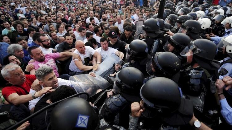 Macedonia: unas manifestaciones antigubernamentales desenbocan en violencia (Fotos, video)