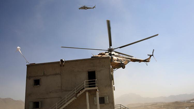 VIDEO: Graban el momento exacto en que talibanes vuelan un helicóptero afgano