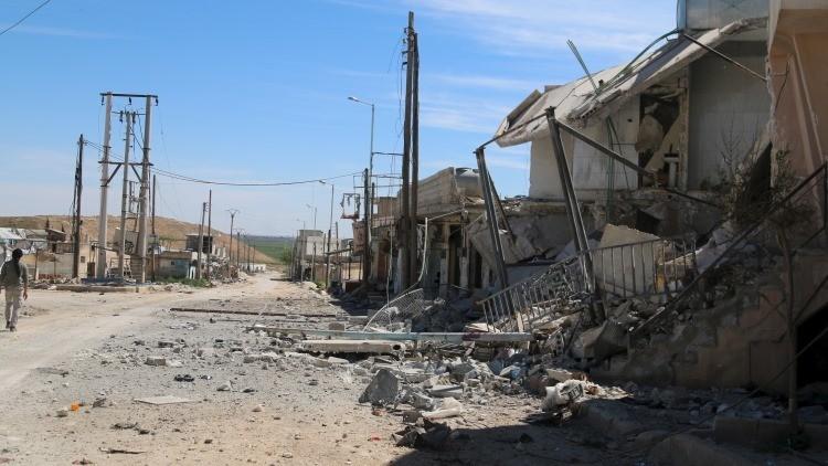 Periodista herido de gravedad mientras grababa un reportaje en Siria (advertencia: VIDEO +18)
