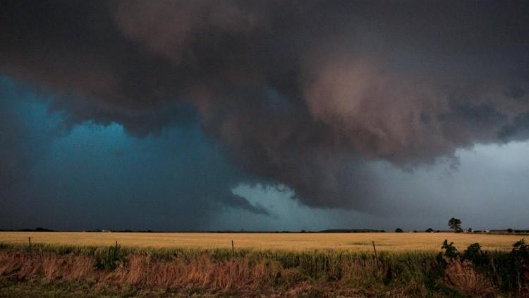 Violento tornado deja cuatro muertos y cientos de heridos en Uruguay (Video)