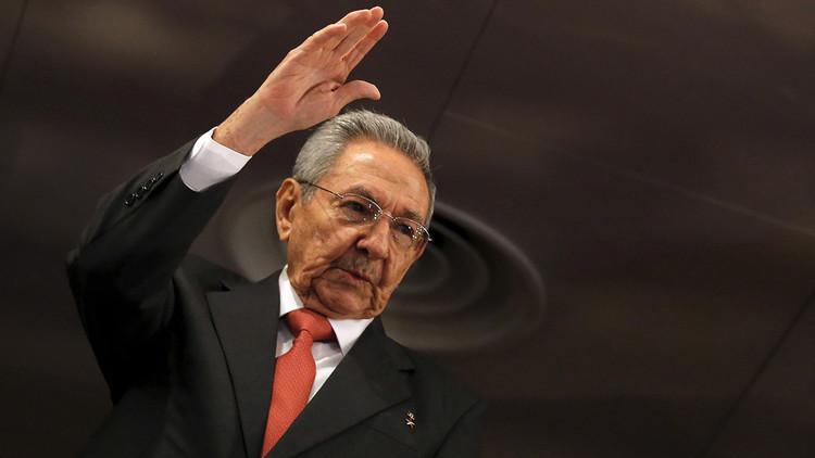 """Raúl Castro rechaza """"fórmulas de privatización"""" para la economía cubana"""