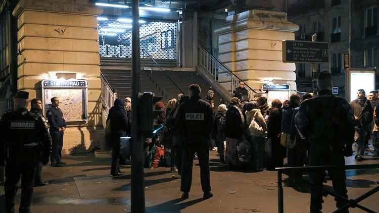 Refugiados cerca de la estación de metro Stalingrad en París.