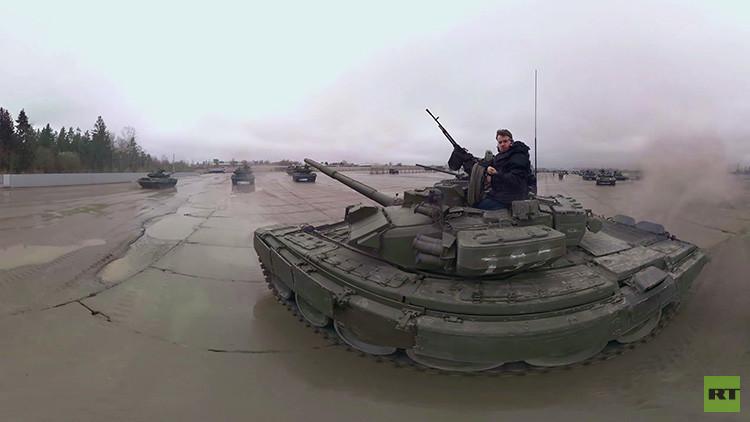 Video en 360º: Vista panorámica de los tanques rusos que se entrenan para el desfile de la Victoria