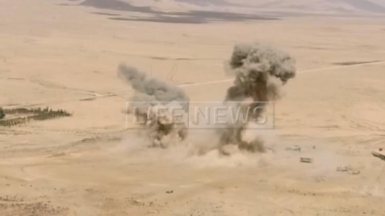 Filmado por un dron: Terroristas del Estado Islámico huyen atemorizados ante el Ejército sirio