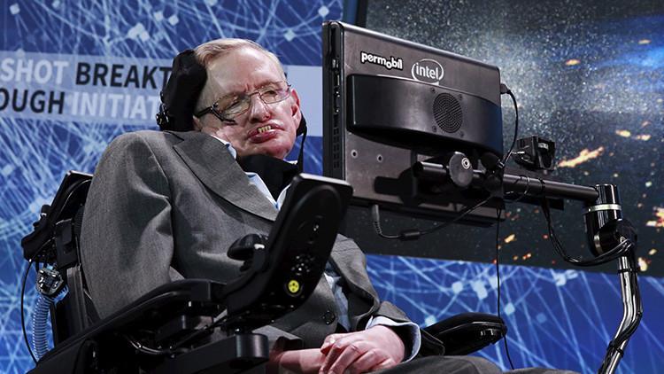 Stephen Hawking revela cómo hizo contrabando de Biblias en la URSS
