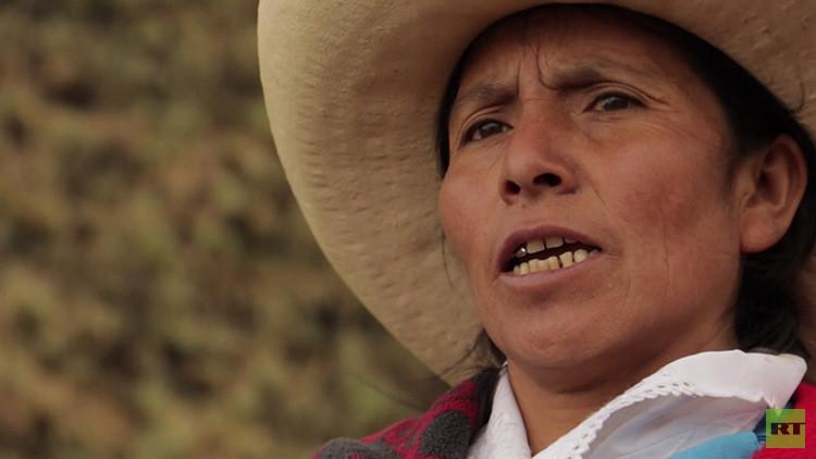 """""""No tengo miedo al poder de empresas"""": Canción de una indígena peruana conmueve al mundo (VIDEO)"""