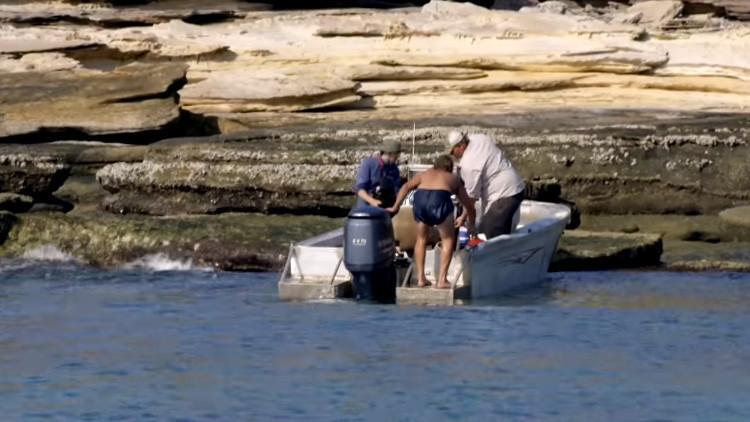 Encuentran por casualidad a un náufrago en una isla desierta de Australia (video)