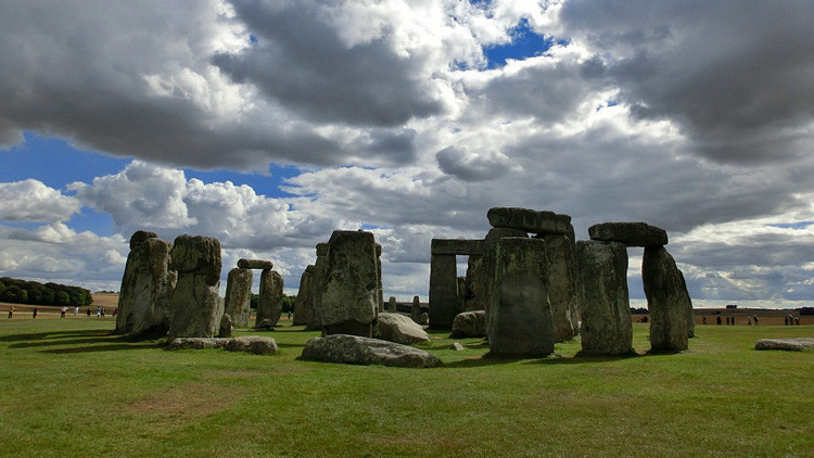 """Un teólogo afirma que el Stonehenge fue creado por """"gigantes de satán"""""""