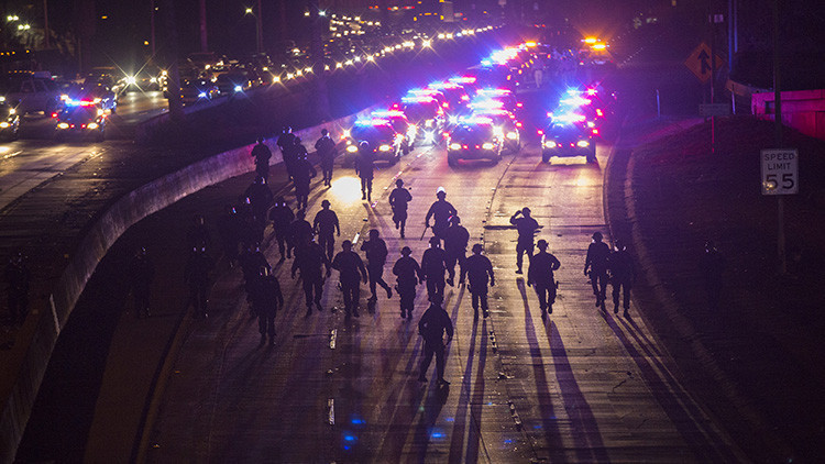 EE.UU.: Las autoridades compran más equipamiento antidisturbios por temor a levantamientos civiles