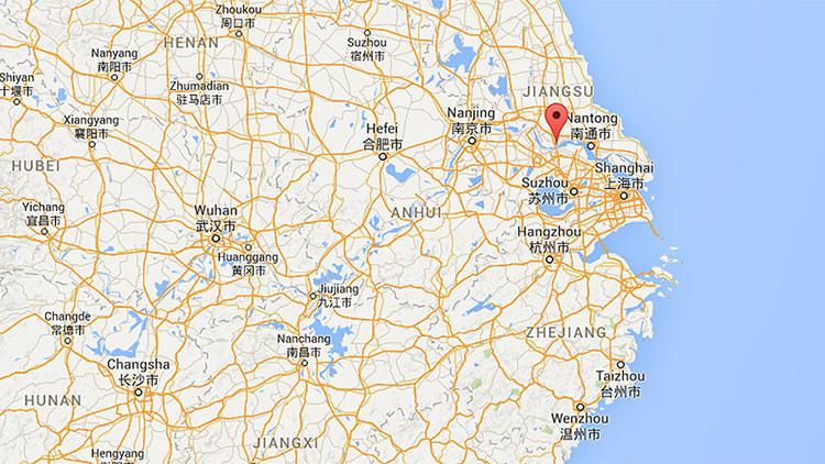 Una enorme explosión afecta las instalaciones de una bodega de químicos en el este de China