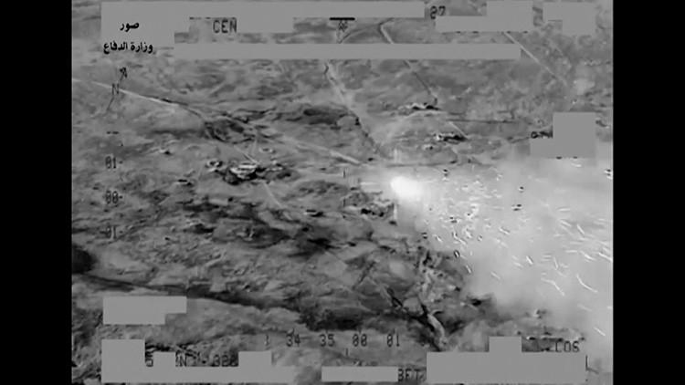 Video: Implacables ataques de helicópteros iraquíes sobre escondites del Estado Islámico
