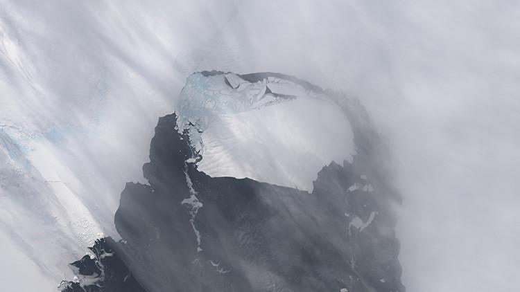 Dos icebergs procedentes de la Antártida amenazan al planeta