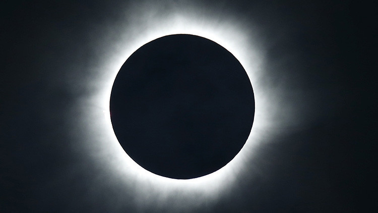 Se desata la fiebre para ver el 'gran eclipse' solar