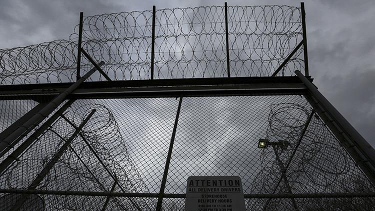 Un año en prisión y sin juicio por querer ayudar al FBI a liberar rehenes del Estado Islámico